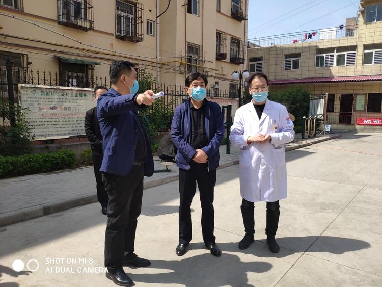 王益区:副区长张云峰督促检查农贸市场和医疗系统创文和国卫复审工作