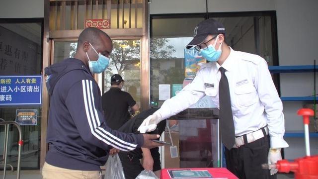 """""""我在中国感到很安全"""",黄埔外籍人士相继结束健康管理正常复工"""