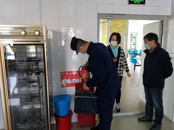 锡林郭勒盟西乌旗消防救援大队深入复工企业开展消防安全复查