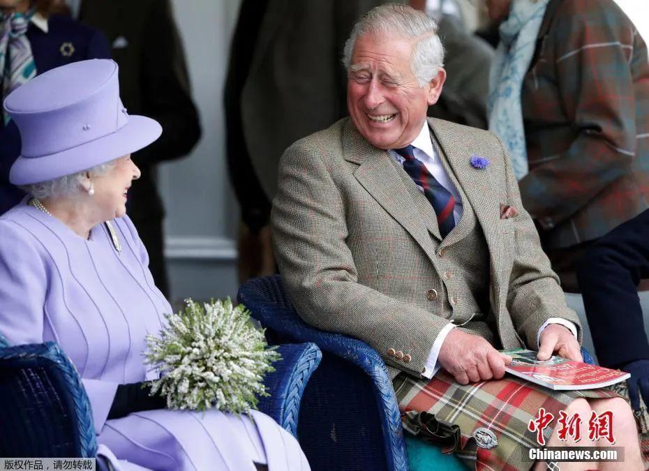 资料图:英国女王伊丽莎白二世与查尔斯王储。