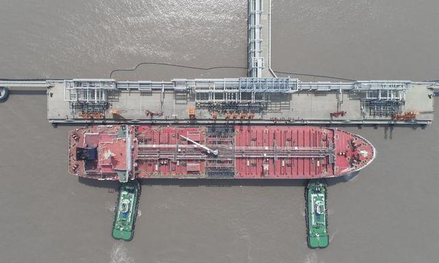 宁波:中油二期5万吨级油品码头投入试运营