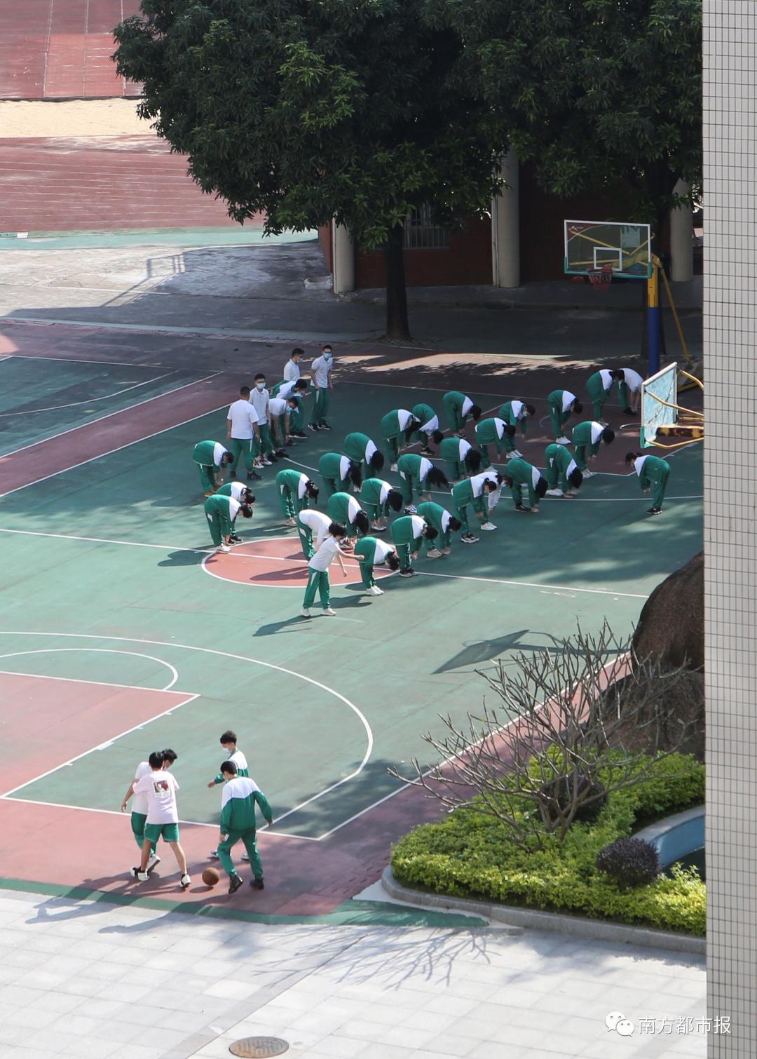 有学生戴N95口罩上体育课?医生急了:千万不要!