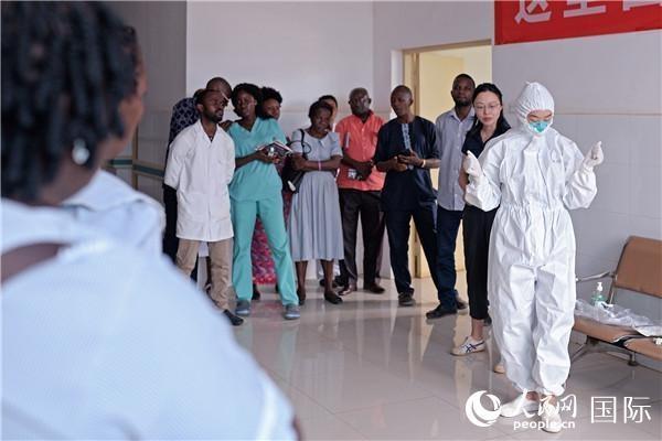 中国医疗队协助塞拉利昂防控新冠肺炎疫情