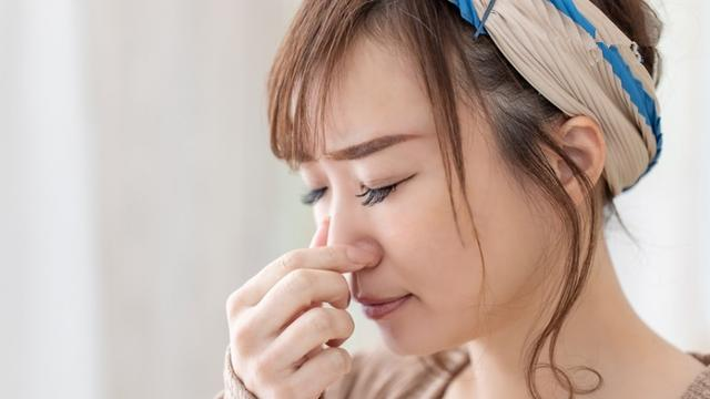 鼻塞可能是癌症警讯!8大必知鼻咽癌症状:单侧鼻塞、鼻涕有血丝