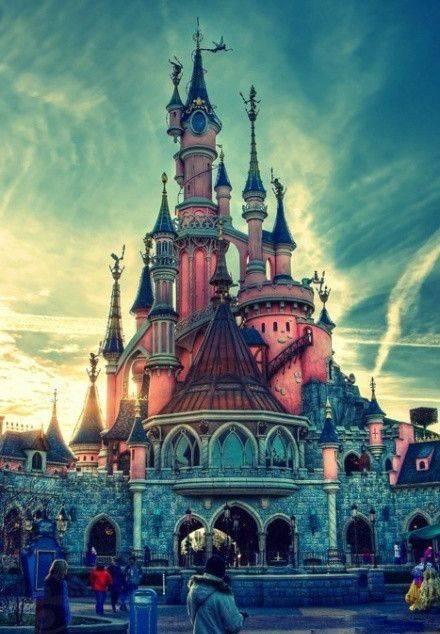 法国迪士尼乐园继续关闭,全球迪士尼无一确定重开时间