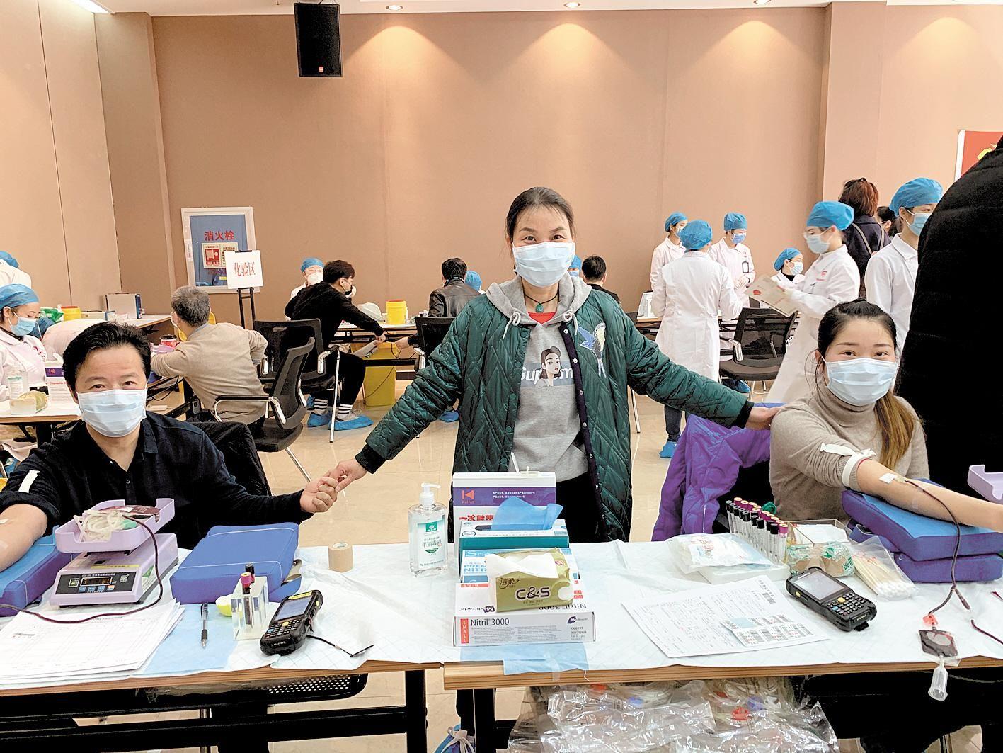 武汉临床手术用血增加 百名血液中心职工带头献血
