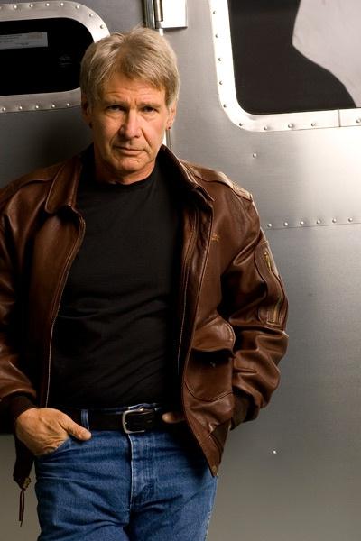 哈里森·福特开飞机误闯跑道,20年飞行经经验也出意外