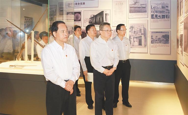 海南明天迎解放70周年纪念日 省内举行多种活动纪念图片