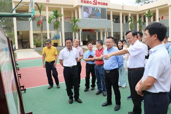 海南省委宣传部副部长、省文明办主任张美文到乐东县调研