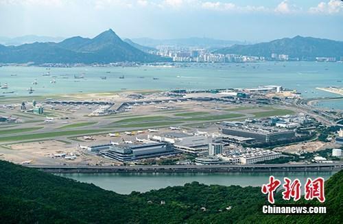 机场航空交通量显著下跌 香港机场将改为单跑道起降