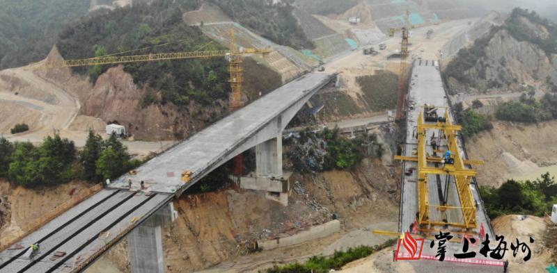 太壮观了!五华三渡水大桥顺利贯通!