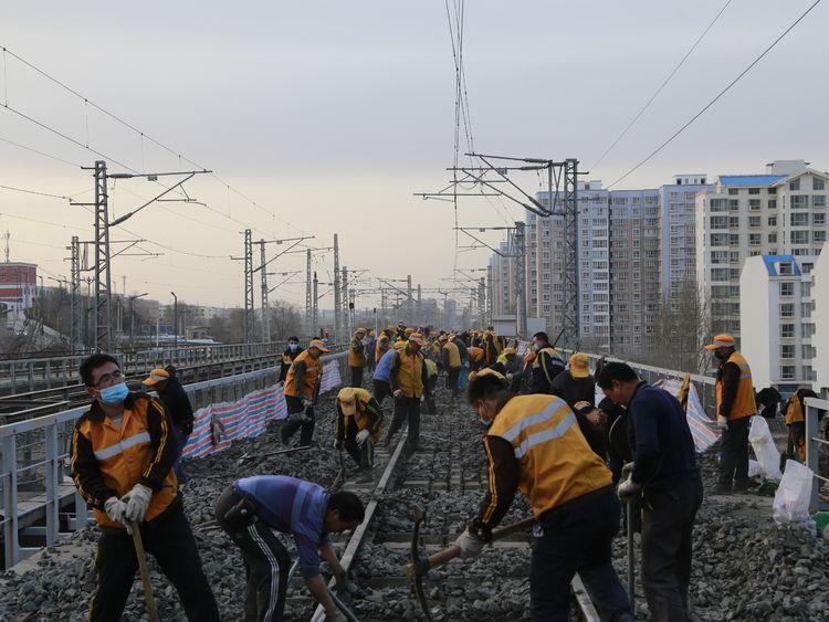 包西铁路绥榆段集中修全面启动