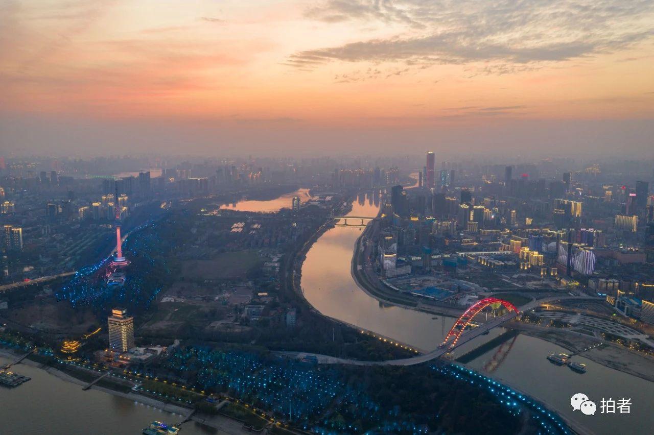 一位摄影记者的65天武汉记忆:7万张照片,读懂这座城图片