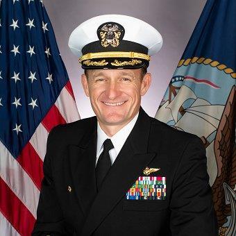 """美国""""罗斯福""""号航母舰长因写公开信呼吁""""救救水兵""""而遭解职"""