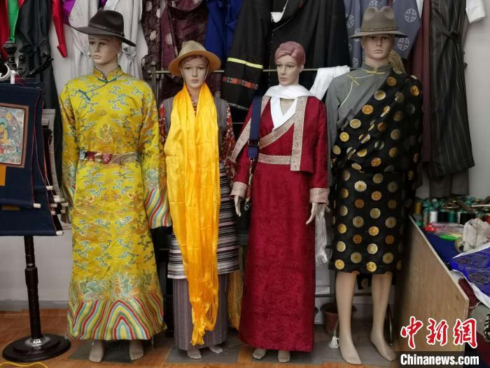 西藏首批民办技工学校在拉萨挂牌