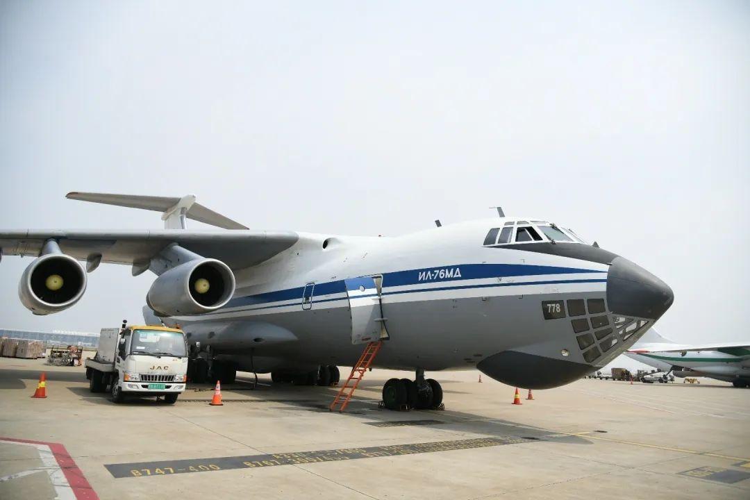 俄罗斯空军伊尔76重型运输机