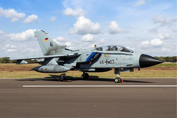 """德国空军装备的""""狂风""""战斗机"""