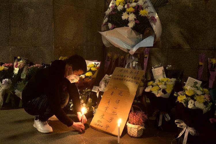 [恒行]武汉解封倒计时4天|蜡烛鲜花寄恒行哀思图片