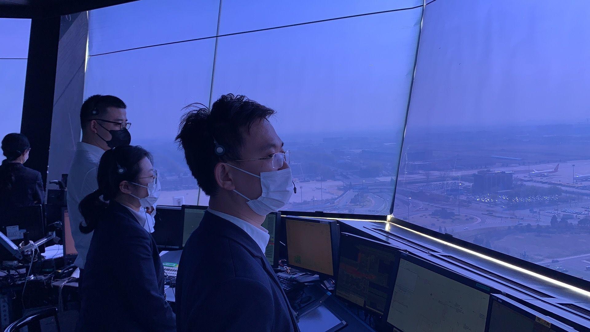 华北空管局保障包机提前安全降落首都机场。华北空管局供图