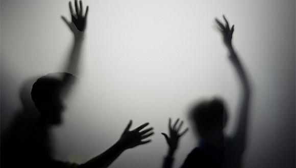 """地方新闻精选   湖南郴州一团委书记涉嫌猥亵女企业家被免职 云南一动物园惊现""""钓老虎"""""""