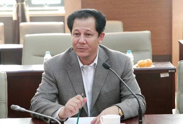 新疆原农业厅党组副书记、厅长艾克拜尔·吾甫尔被开除党籍