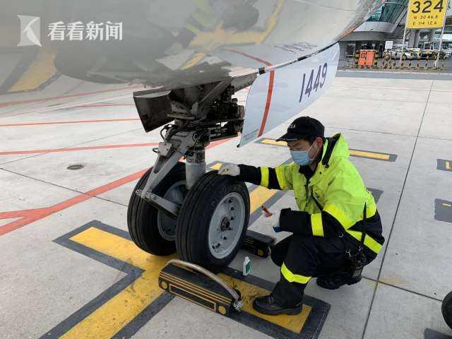 """武汉复航日:东航执行""""第一飞""""当天约30班抵离图片"""