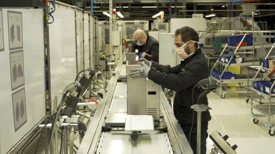 海外车厂纷纷开始制造呼吸机,来得及吗?