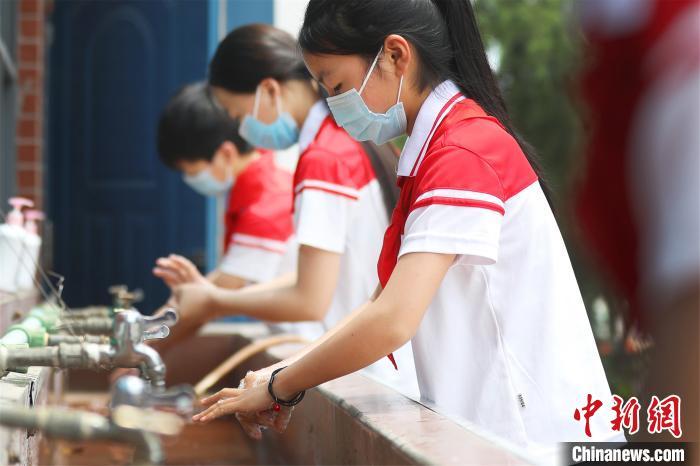 江西全省中小学生陆续返校学习图片