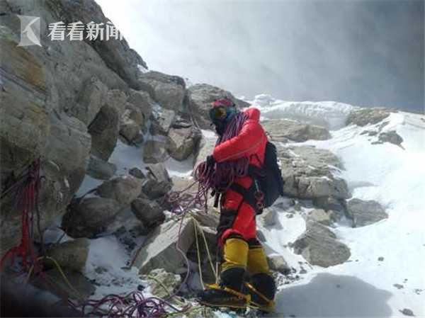 摩天测速登山摩天测速队修路至海拔8600米位图片