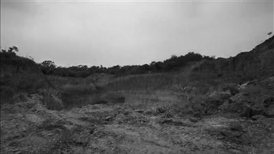南京浦口桥林原本计划复绿的废弃砂矿遭盗采