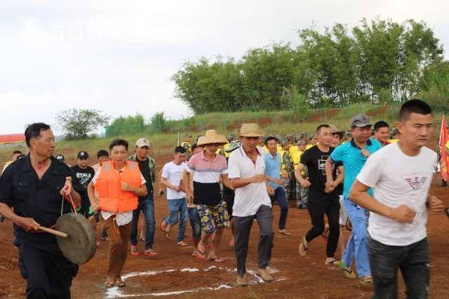海南:水务厅组织山洪灾害防御暨应急抢险演练图片