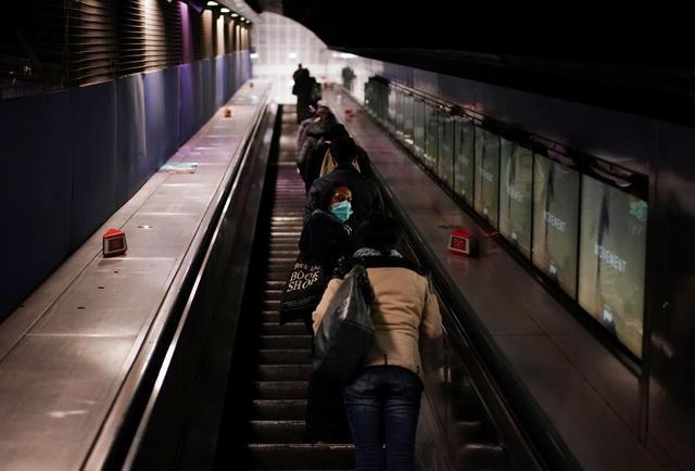 疫情下的伦敦地铁站