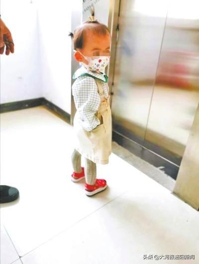 河南鹤壁:1岁多的孩子在托育中心被凳子砸伤,行业监管存在空白?