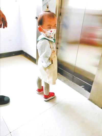 托育中心看护不力幼儿手指指端断裂 行业监管成空白