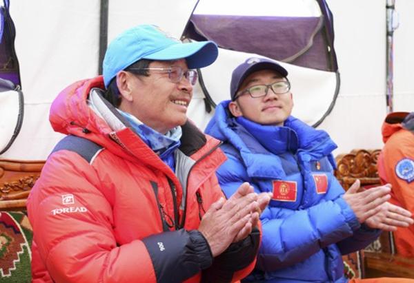 国度体育总局登山活动治理中央副主任张志坚致辞