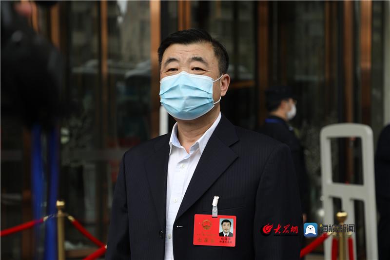 青岛市人大代表赵海滨:设立专项资金 保障公交场站建设