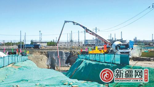 今年经开区(头屯河区)建设107项基础设施项目 陆港区周边道路建设全面推进