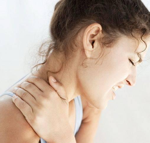 颈椎病别发愁,巧用橘皮加米酒,脖子不疼了,头晕手麻也不见了
