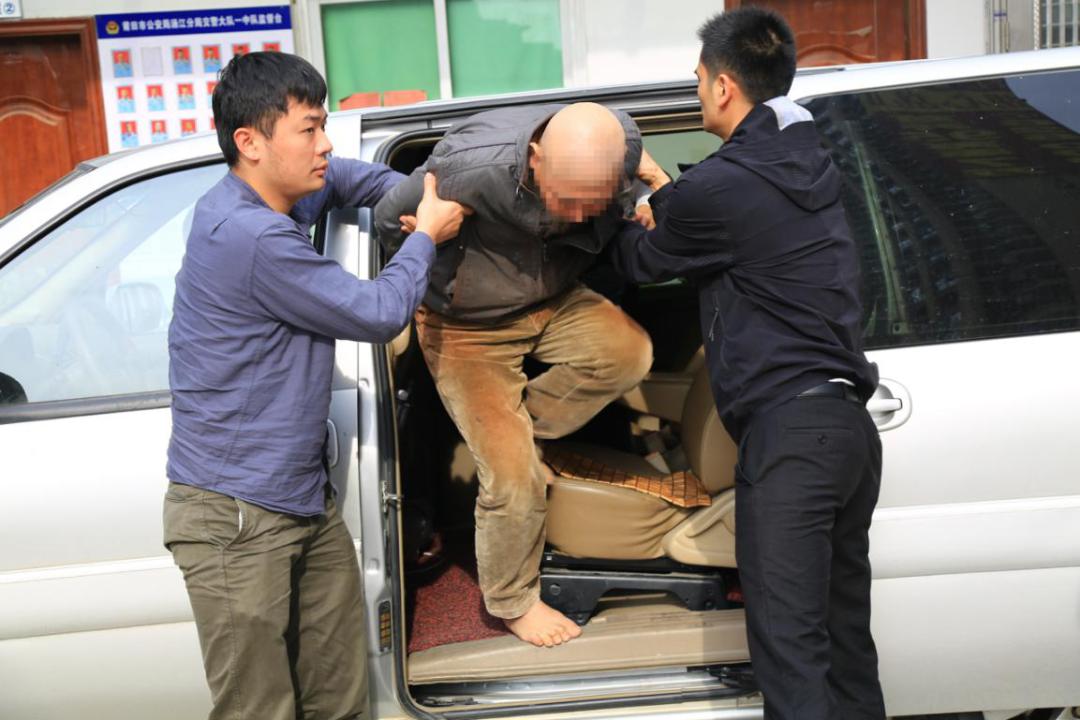 图片阐明:犯法怀疑人被涵江警方抓获