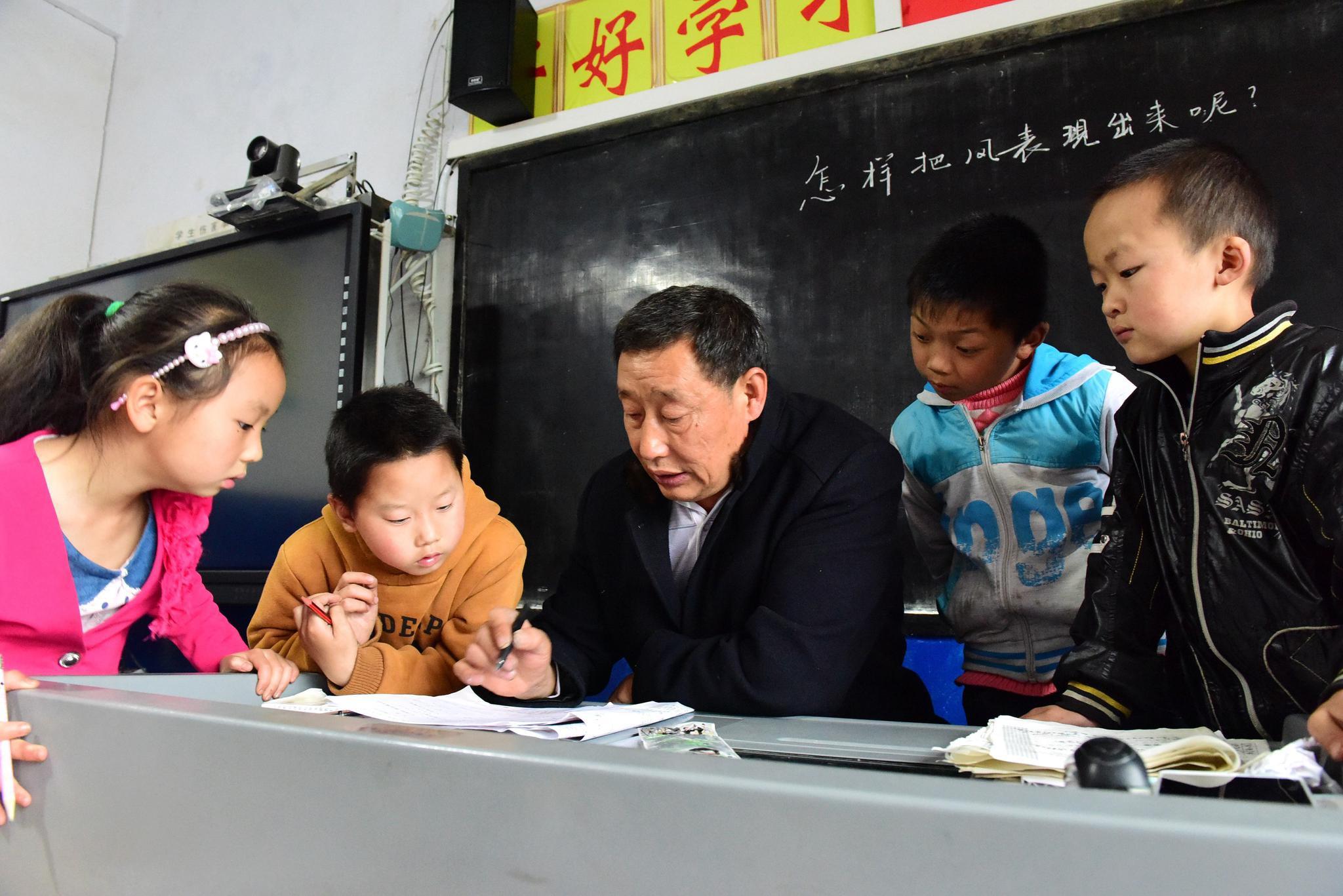 国务院:要在西部建设一批应用型本科高校、高职学校
