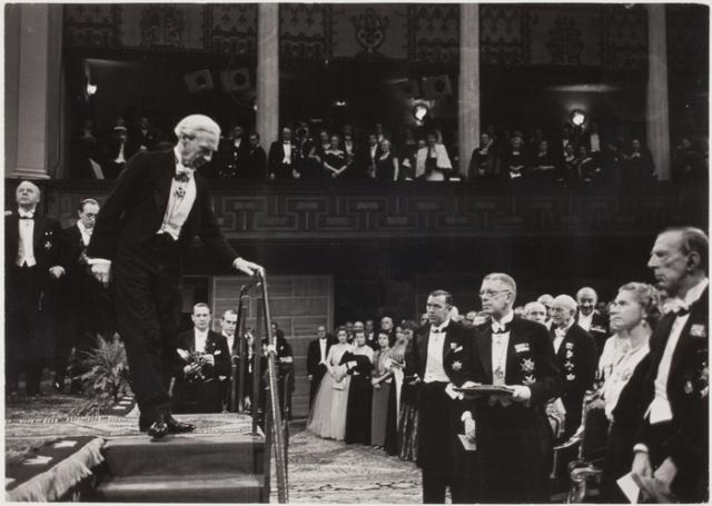1950年,诺贝尔奖委员会在授予罗素诺贝尔文学奖。