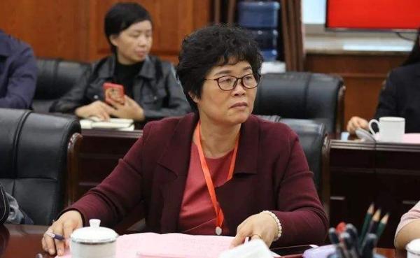 摩鑫登陆:代表薛玉凤建议摩鑫登陆将平图片
