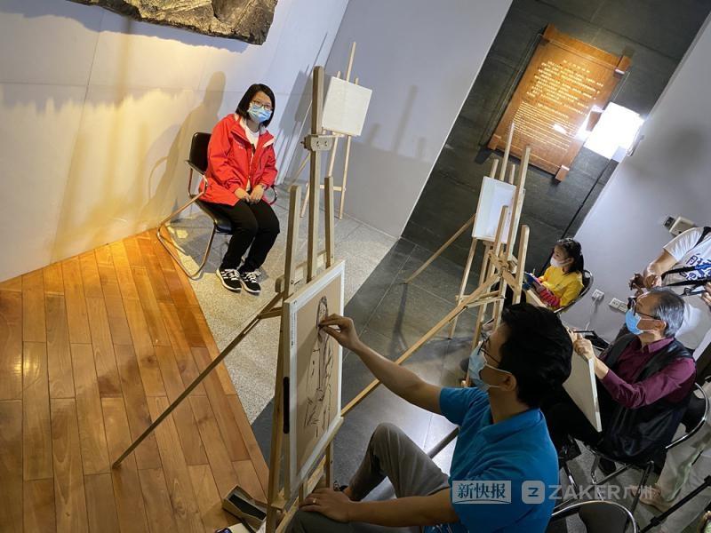 广州美院教授画的抗疫速写火遍全网,如今为了她再画速写