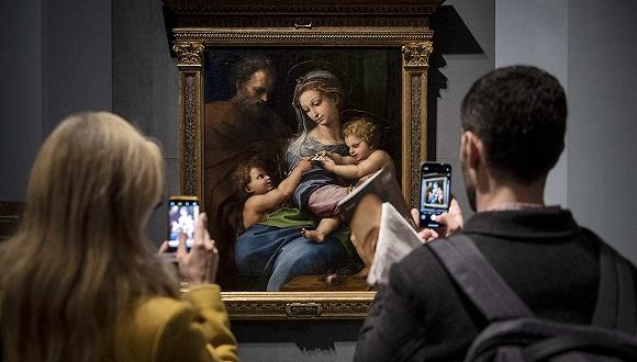 3月4日,罗马奎里纳莱美术馆举办拉斐尔展览的预展活动。图片来源:视觉中国