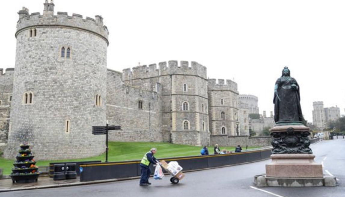 女王行政官邸溫莎城堡。《每日快報》網站截圖