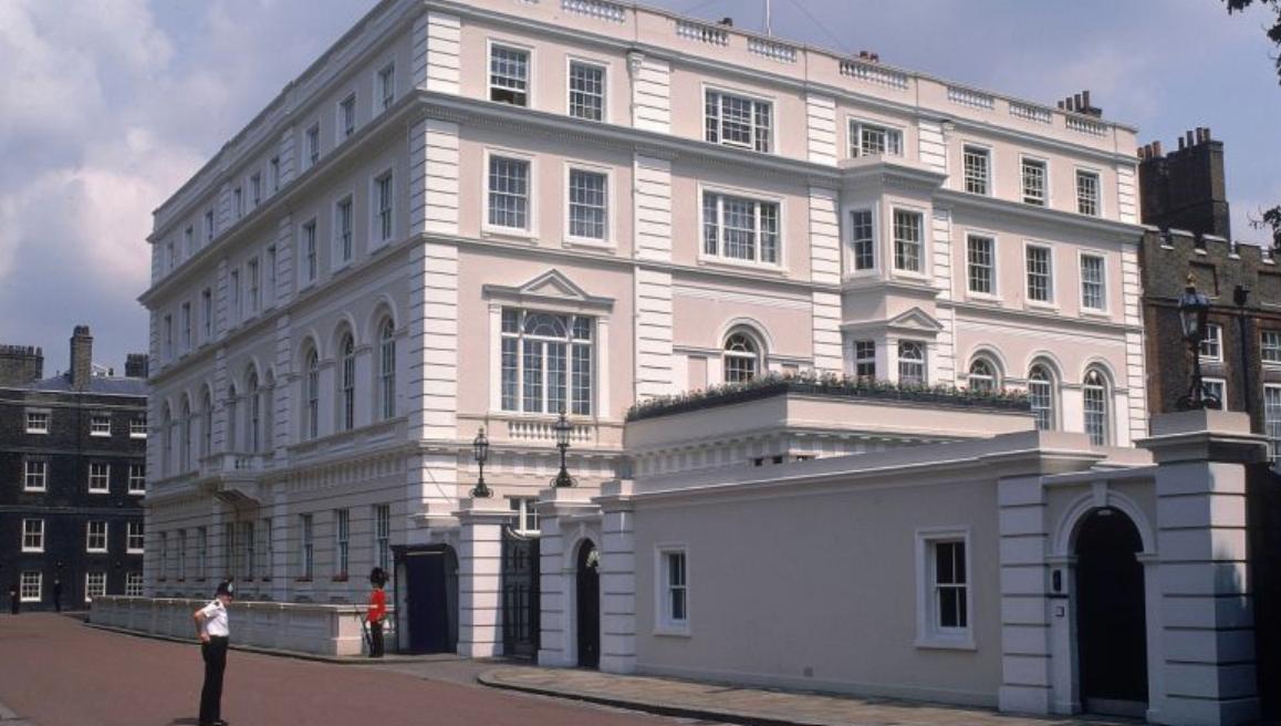 查爾斯王子的官邸克勞倫斯。推特截圖