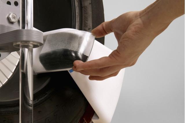 英国学生打造出一款能收集汽车轮胎微塑料的原型设备