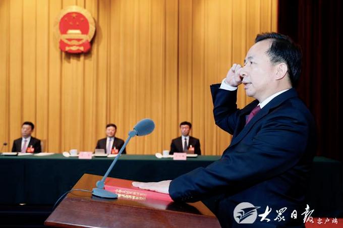 【摩天平台】两会上的省委书记省长新面孔图摩天平台图片