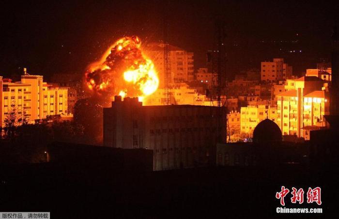 资料图:2019年3月25日,以色列军方对加沙地带多处目标实施空袭。