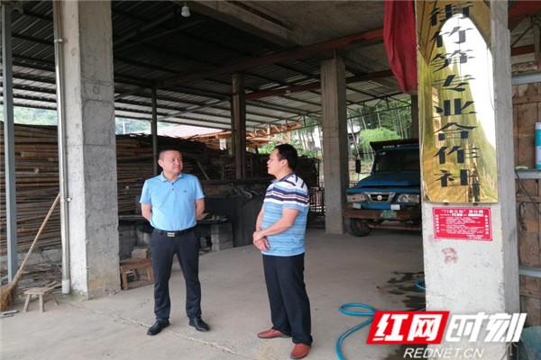 清风头条丨桃江县纪委监委:一人一村,吃住在村